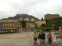 El conjunt industrial de La Costa i el Castell de Cardona des del Pont de Sant Joan. Autor: Francesc (Manresa)