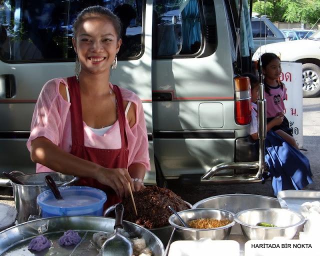 bangkok vendor girl