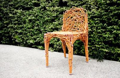 鉛筆の椅子