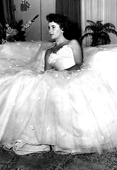 Jackie Kennedy Inspired Wedding Dress 94 Cute The Style Essentials Edith
