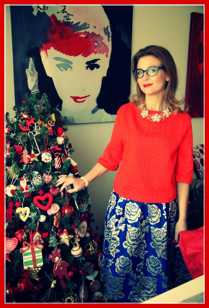 Christmas wishes from Fashion and Cookies fashion blog, Christmas look with midi skirt and red blouse