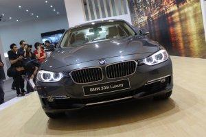 BMW Sport : BMW 335i, BMW 328i, dan BMW 320i