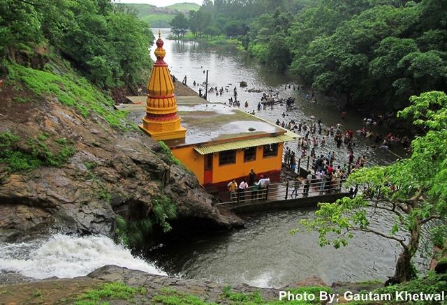Chinchoti Water Falls Vasai India