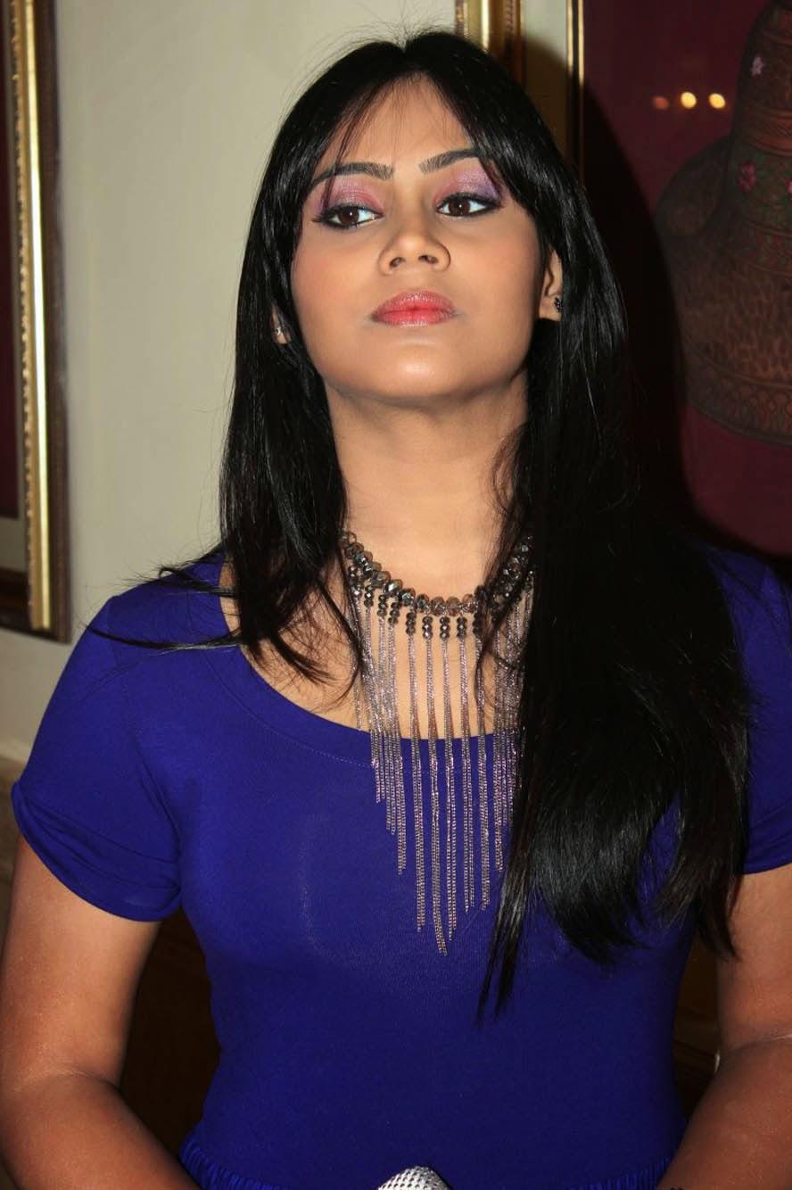 Pakistani Xnxx: Desi Bhabhi Hot Nude Photo Album: Actress