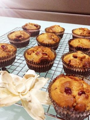 ... Kitchenette: Cranberry & White Chocolate Muffins by Vanessa Tay
