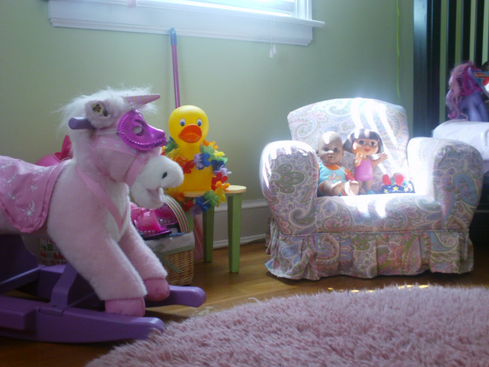 Delicieux Balloon Shades From Pottery Barn Kids (pink Gingham Print). Paisley Arm  Chair/rocker Comes From Home Goods ...