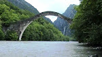 SOS ...για το γεφύρι της Πλάκας