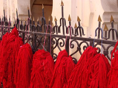 Wool dyers souk in Marrakech | Happy in Red