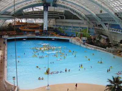 WORLD'S BIGGEST INDOOR SWIMMING-POOL World Water Park.....Edmonton, Albert, Canada...............SIZE....5 Acres