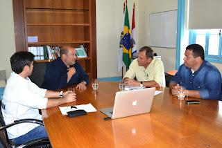 Prefeito Márcio Catão acompanha apresentação do projeto da Rota Cervejeira