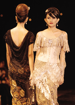 Maret 2011 ~ Latest fashion and designer news