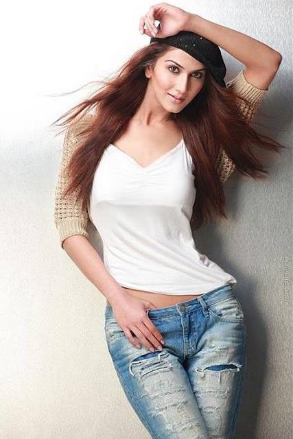 Vaani Kapoor Latest Unseen Images | Suddh Desi Romance Movie girl