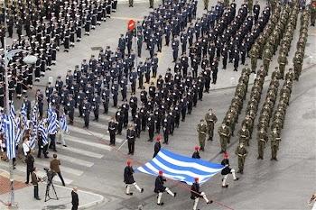 Παρέλαση - υπερπαραγωγή στα όρια του κιτς ετοιμάζει ο Καμμένος