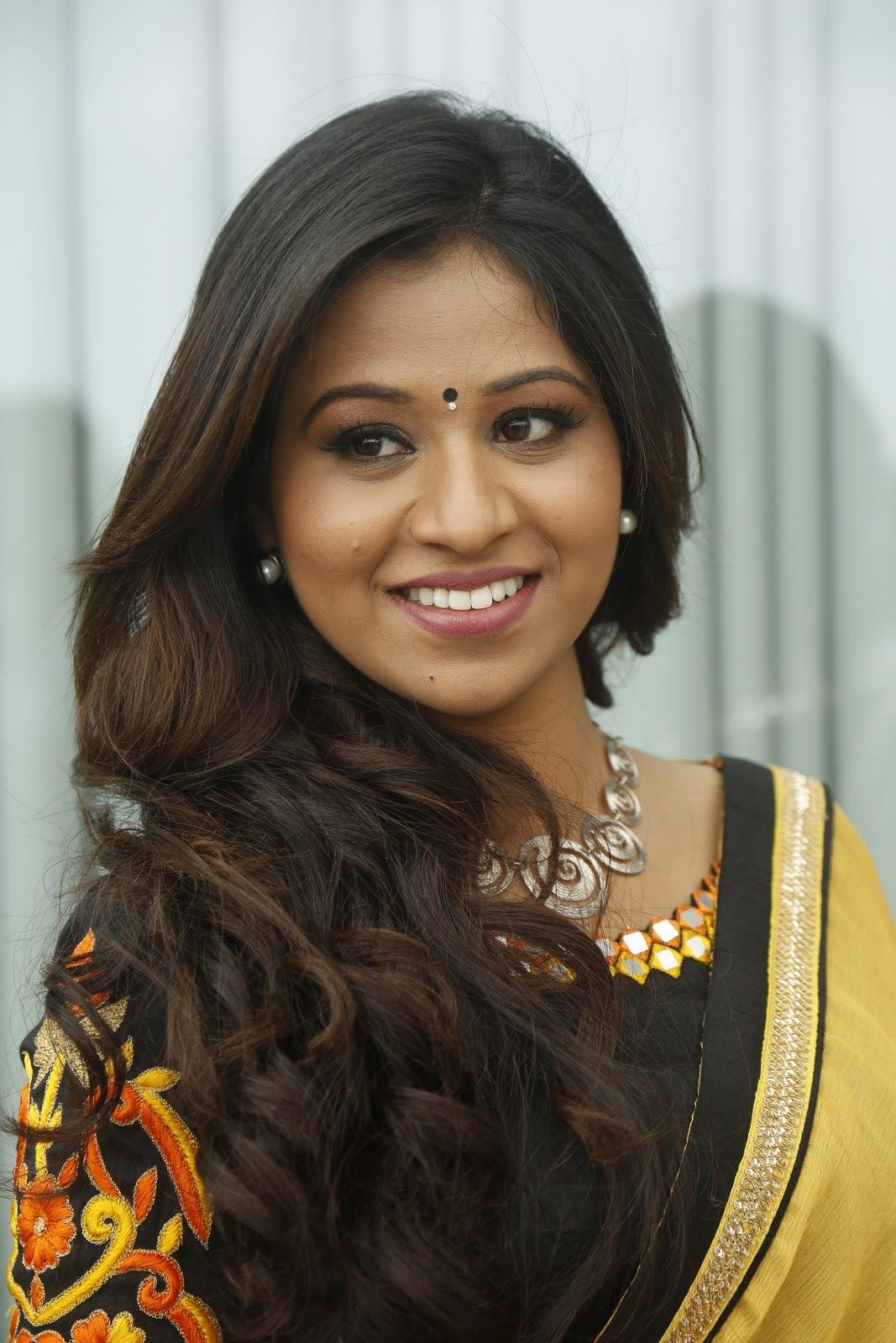 Manali Rathod latest glamorous photos-HQ-Photo-3