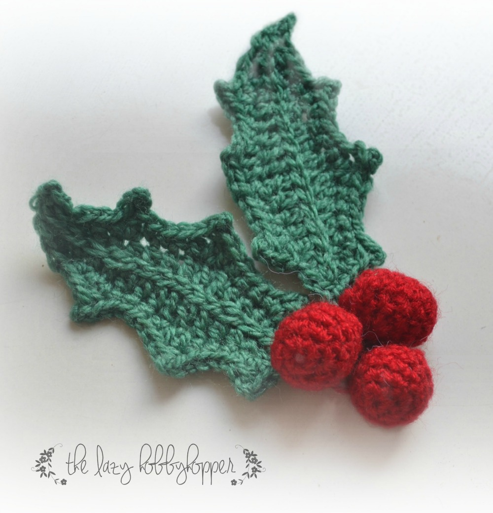 Free Crochet Pattern For Christmas Wreath : The Lazy Hobbyhopper: Crochet Christmas Wreath - free pattern