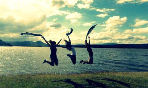 Kumpulan Puisi Persahabatan Pendek Terbaru