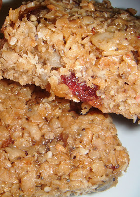 Flapjacks with Dried Fruits, Nuts and Seeds (Vegan)