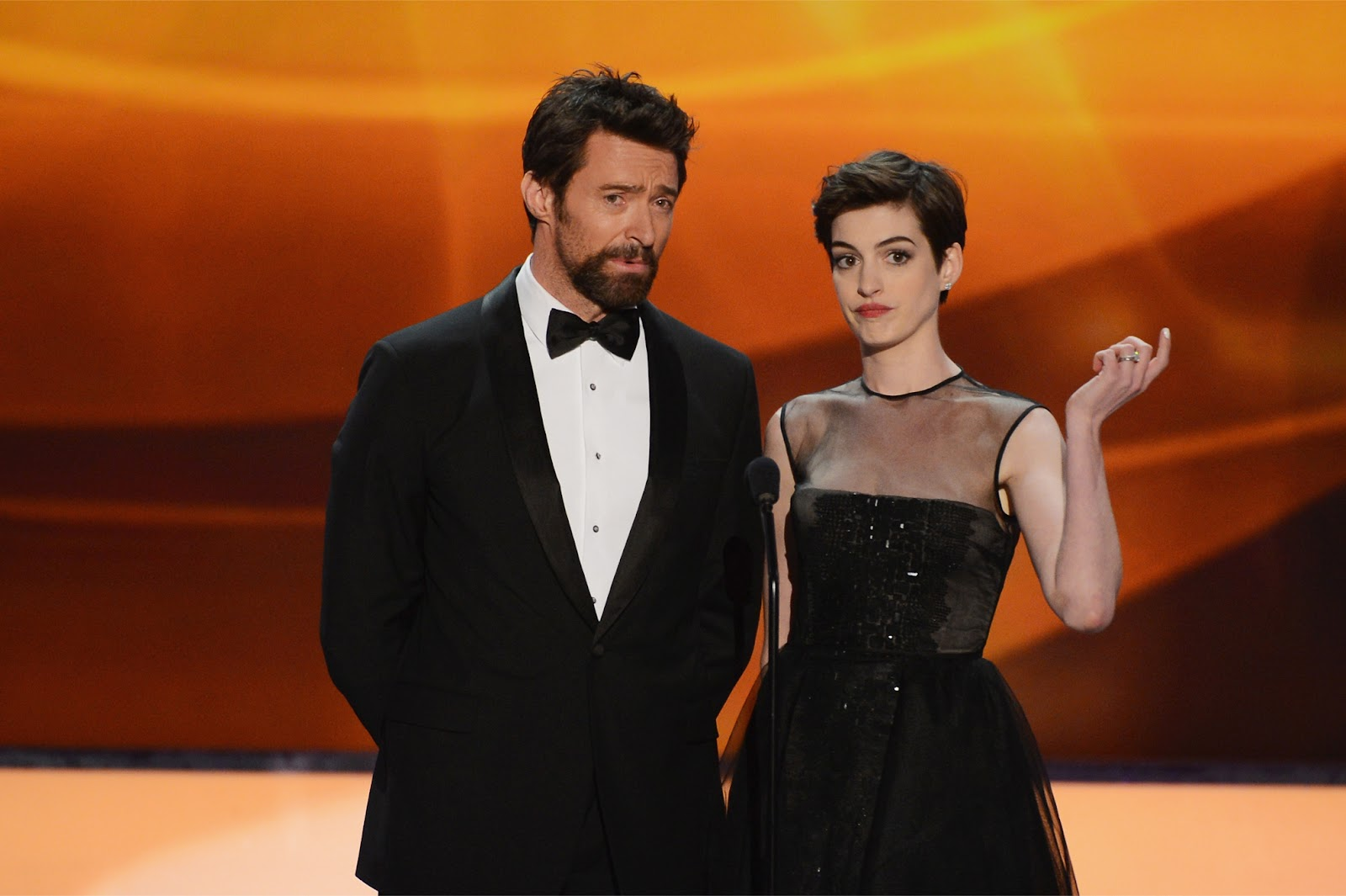 http://1.bp.blogspot.com/-cZNQLz7U56A/UQZ6FN9PrFI/AAAAAAABTEo/yKGA2S_S3so/s1600/Anne_Hathaway-Hugh_Jackman-19th_Annual_Screen_Actors_Guild_Awards-1_27_2013-005.jpg