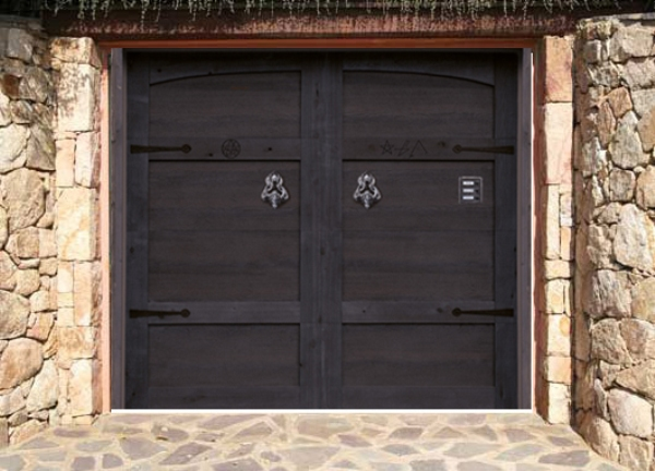 GARAGE DOORS ENHANCE THE VALUE OF YOUR HOME
