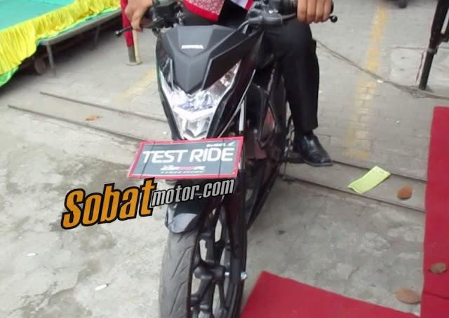 Test ride : New Honda Sonic 150R punya tarikan yang cukup agresif plus handling oke dan posisi berkendara yang nyaman . .