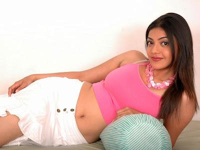 Tamil Telugu Actress Kajal Agarwal Navel Hot Images Stills Wallpapers