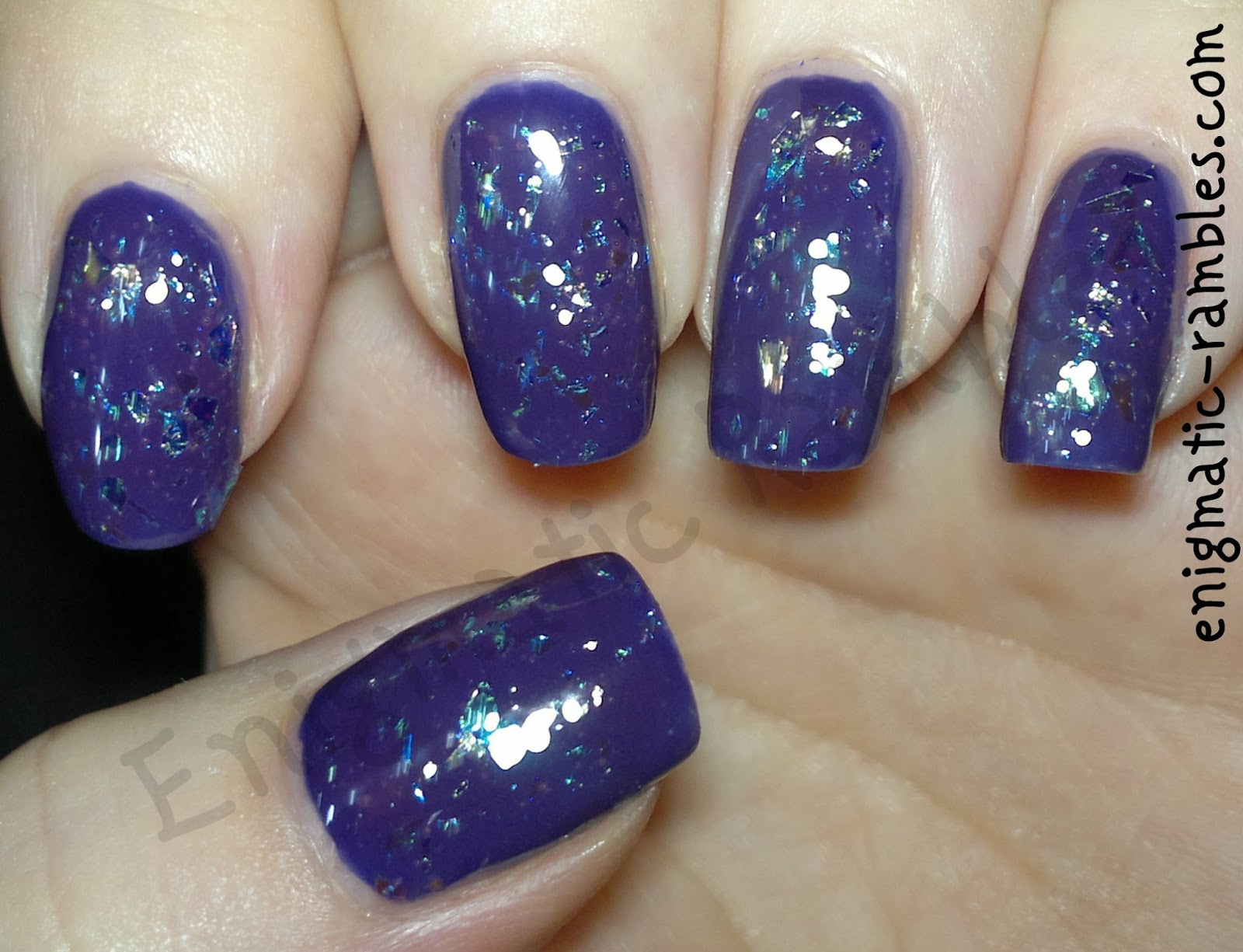 swatch-avon-purple-opal-topcoat-top-coat-yes-love-k033