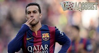Liputan Bola - Salah satu penyerang klub Barcelona, Pedro, mengungkapkan, harga klausul pelepasan kontraknya mengalami penurunan sebesar 80 persen dari harga klausal 150 juta euro (sekitar Rp 2,2 triliun) menjadi 30 juta euro (sekitar Rp 438,7 miliar).