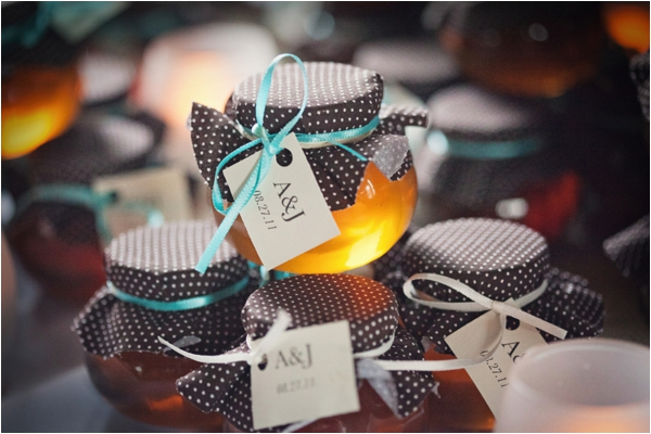 Rustic Wedding by Cuppa Photography (http://cuppaphotography.net/) #weddings #rustic #partyfavors