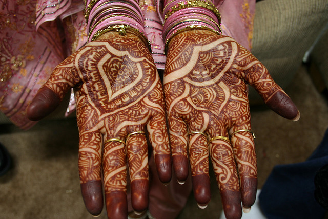 Traditional Mehndi Designs For Hands : Traditional mehandi designs for diwali home made beauty tips