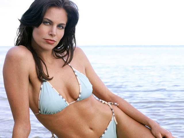 Brooke Burns in bikini