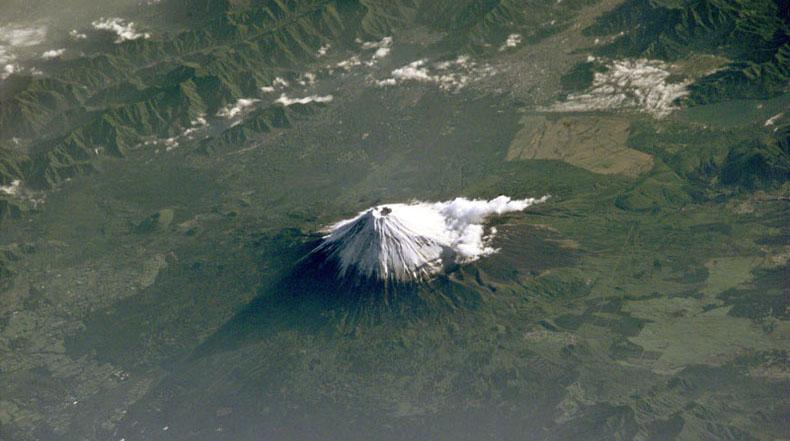 Imagen del día: el Monte Fuji desde el espacio