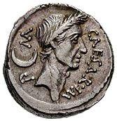 Anverso de un denario con la imagen de César