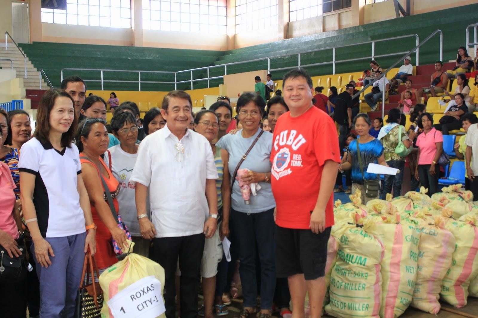 Yolanda stricken micro entrepreneurs in capiz receive livelihood