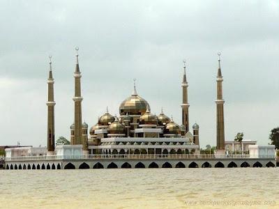 مسجد الكريستال ماليزيا get-11-2009-li998gcd.jpg