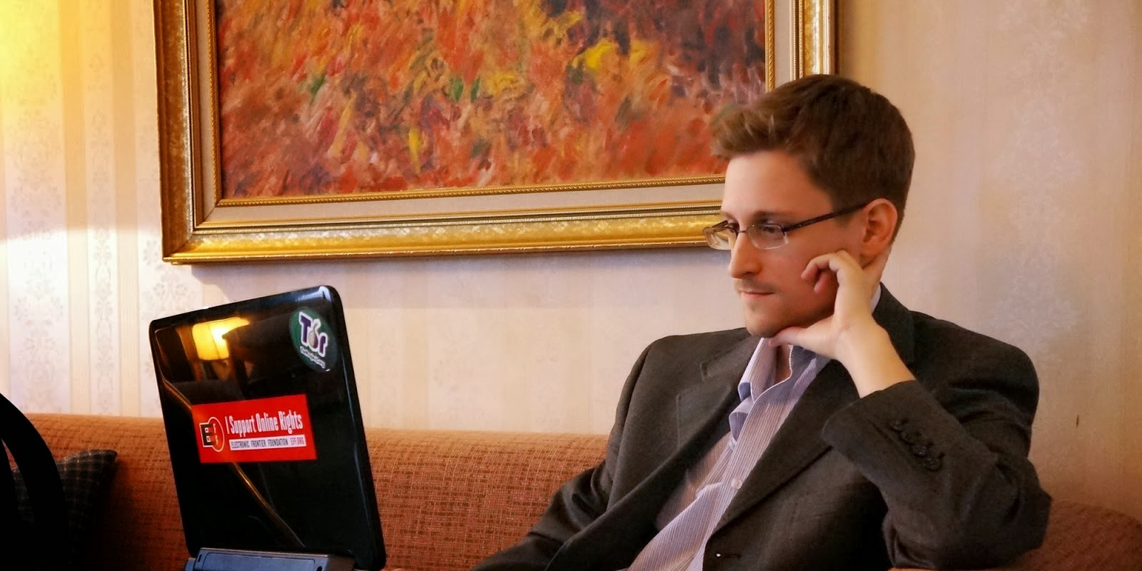 Snowden Stealing Coworker Password