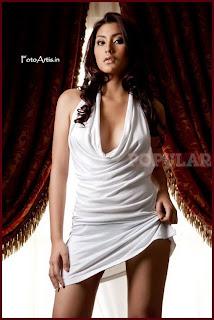 hot Tyas Mirasih for Popular Magazine