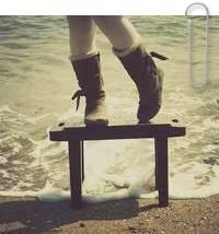 Đứng trước nỗi đau, ai cũng nghĩ mình thật nhỏ bé, muốn khóc và cảm thấy tuyệt vọng. Nhưng cuộc sống không khi nào thiếu nụ cười...