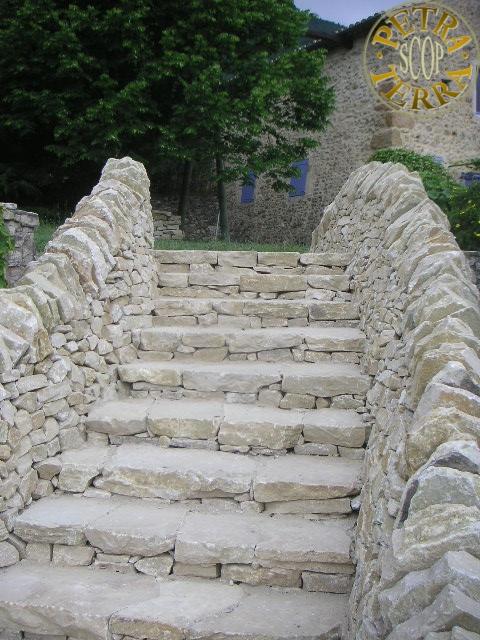 Petra terra scop transformation d 39 un escalier escalier en pierre s che - Construire un escalier en pierre seche ...