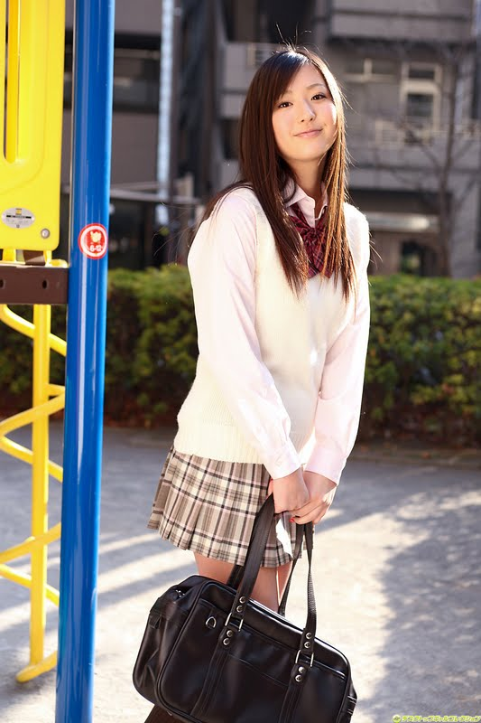Yuri Murakami as school girl part 1