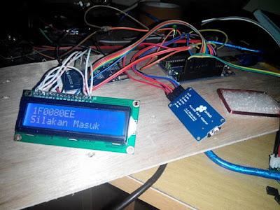 Arduino uno + LCD + RDM6300 + RFID tag 125 KHz