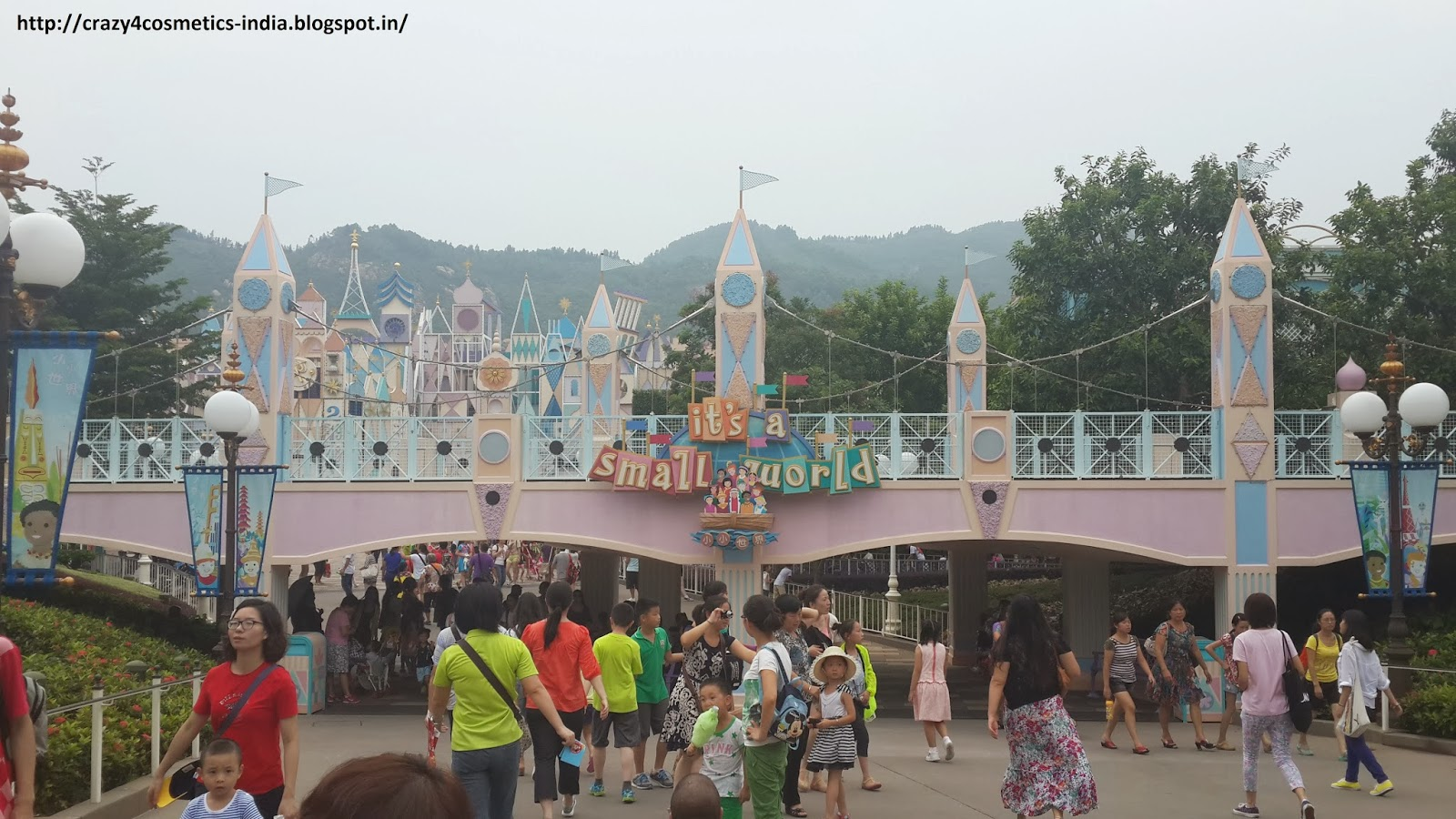 Hongkong Amusement Parks- Hongkong Disneyland- Hongkong Disneyland Its a Small World