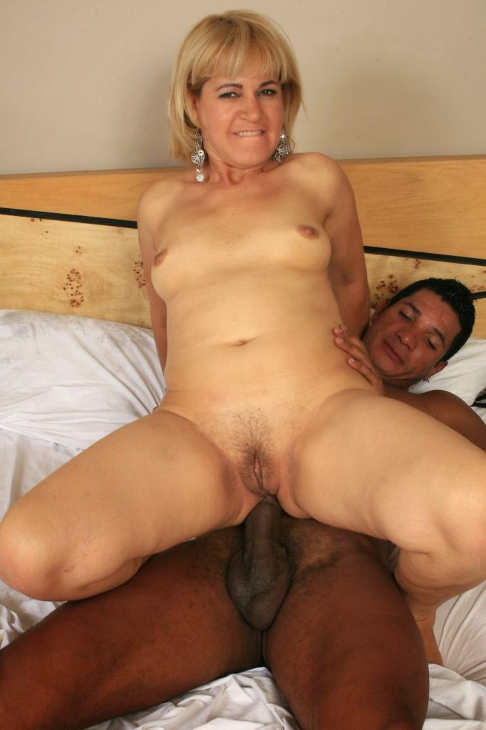 Blonde milf likes interracial porn including hard assfucking