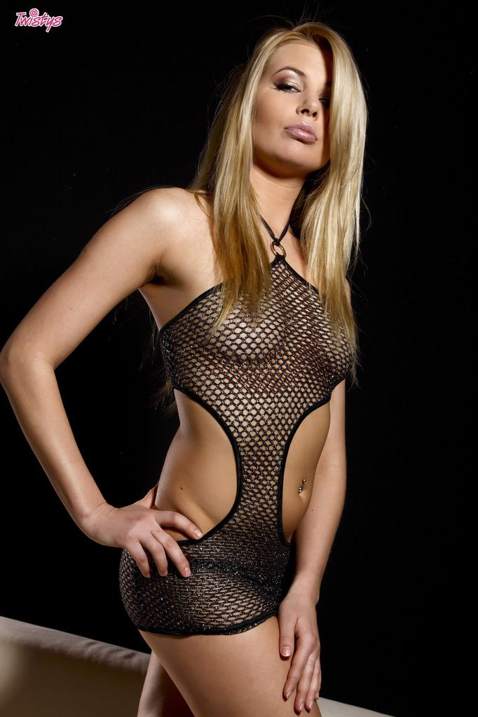 www.CelebTiger.com++Sexy+Model+Leany+In+Fishnet+See+Through+Dress+Nude+009 Leany Wearing A See Through Dress And Stripping Nude In Front Of Camera HQ Photo Gallery
