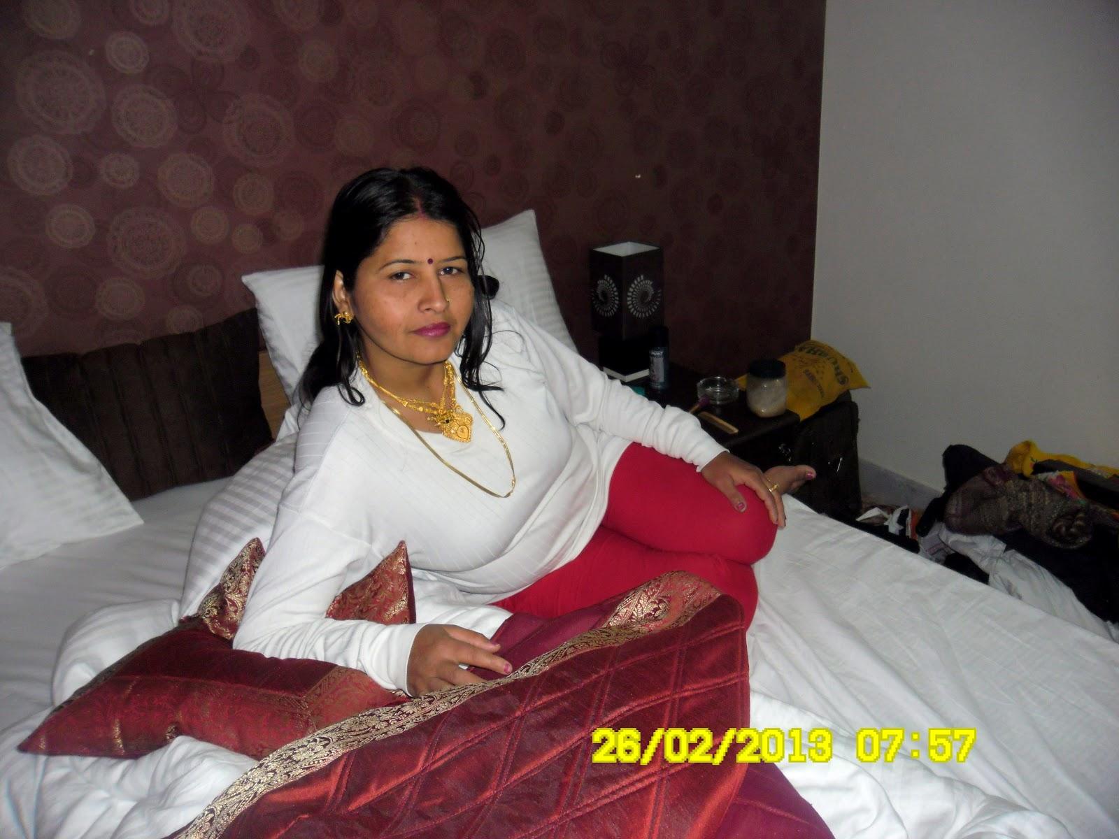 Desi wife Babli Sharma sexy wife Babli Sharma Beautiful young wife