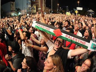 Israel não é empobrecedor diz Caetano Veloso