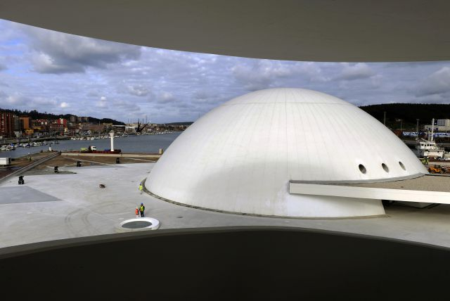 Tonadastur centro niemeyer avil s - Arquitectos aviles ...