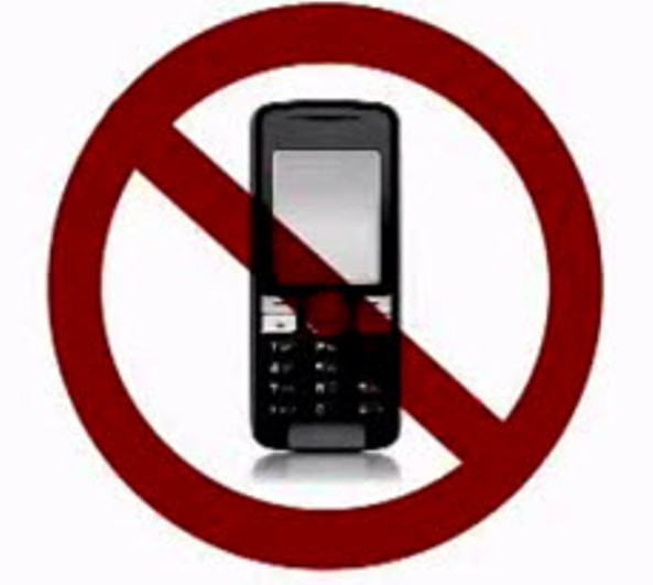essays on banning cell phones while driving Using cell phones while driving should be banned first, car accidents occur because of using cell phones while driving i enjoyed writing this essay.