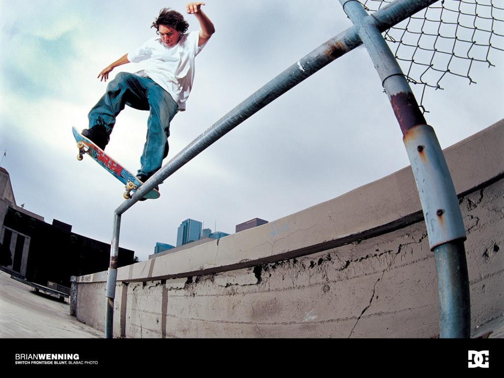 http://1.bp.blogspot.com/-cc9nTYer3SA/Ttzp8lBYafI/AAAAAAAABME/BA2fZqPtKvk/s1600/a1-skateboarding-hd-1-758500.jpg