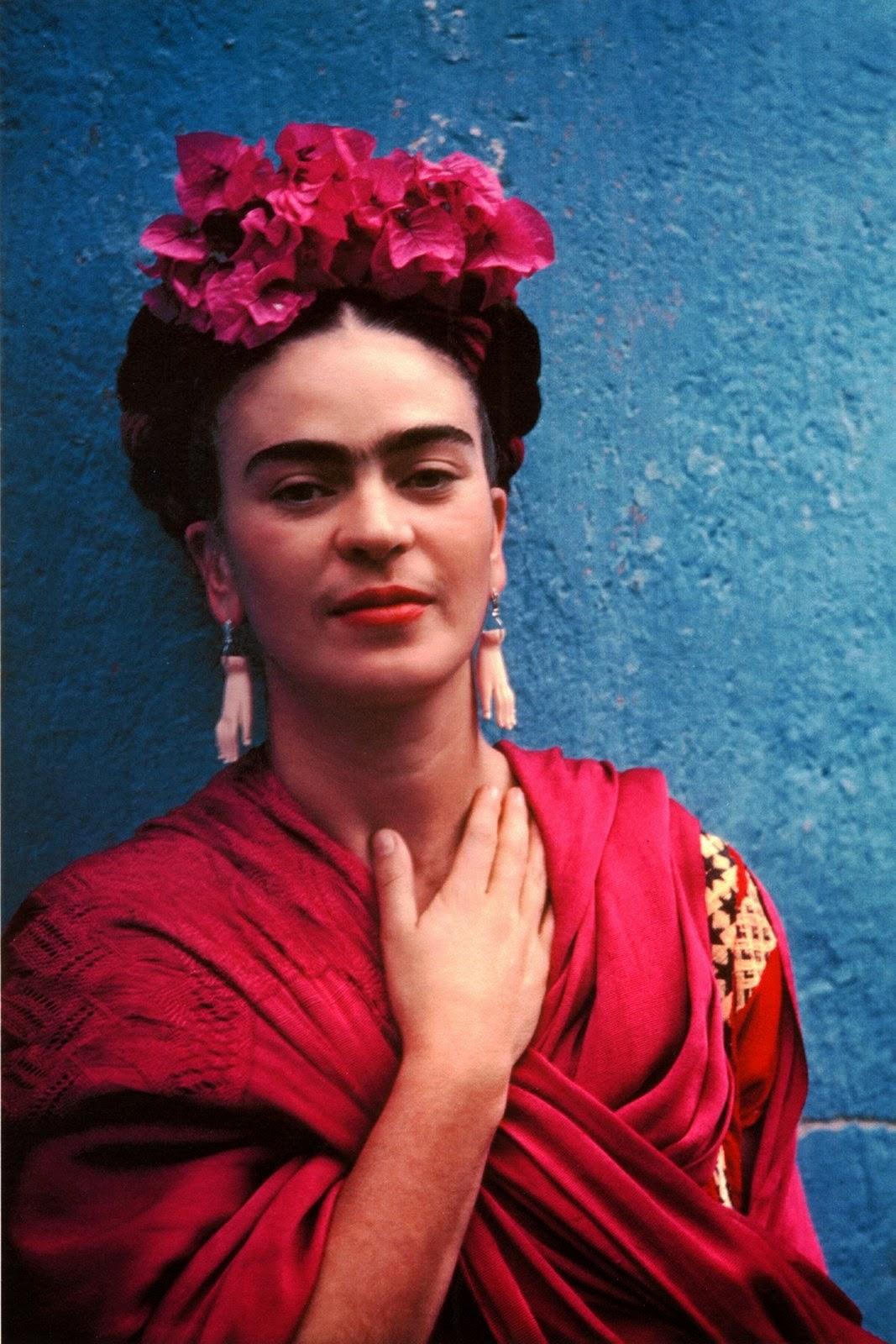 http://1.bp.blogspot.com/-ccEepFvB010/ThPunZnzm6I/AAAAAAAAAOg/qiQGvbOg_uI/s1600/FridaKahlo.jpg