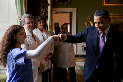 Fist-Bumping Obama Seen On www.coolpicturegallery.us